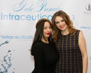 Mirela Paduraru, premiata de Gina Brooke, make-up artistul Madonnei, la Gala Premiilor Intraceuticals