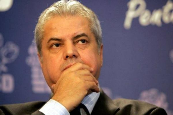 Adrian Nastase: Guvernul Iohannis submineaza statul de drept din Romania