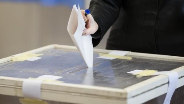 Guvernul nu renunta la ideea de a avea alegeri locale si parlamentare in acest an. Localele in septembrie-octombrie, iar parlamentarele in decembrie
