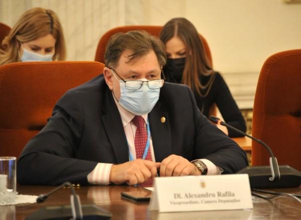 Rafila, deputat PSD: Vaccinul AstraZeneca este bun si sigur