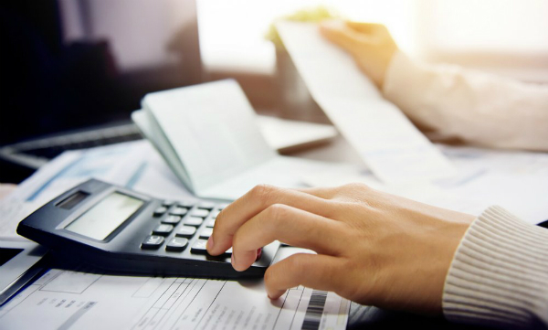 Ministerul Finantelor ia in calcul amanarea platii impozitului pe venit cu DOUA LUNI