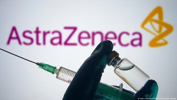 RoVaccinare a raspuns intrebarilor romanilor legate de vaccinul AstraZeneca. Ce se intampla cu persoanele programate la vaccin si cat de sigure sunt celelalte loturi