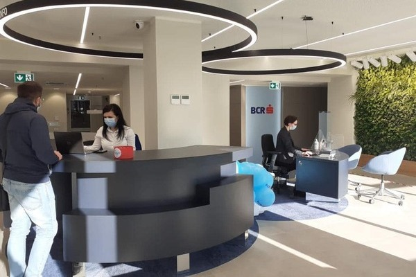 Programarea vizitei in sucursale a functionat pentru BCR. 2,4 milioane de clienti au venit anuntati