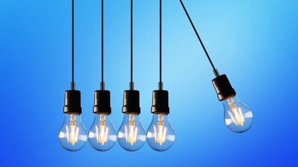 Anul 2021 a inceput cu inflatie de 2,99%. Energia electrica s-a scumpit cu peste 18%