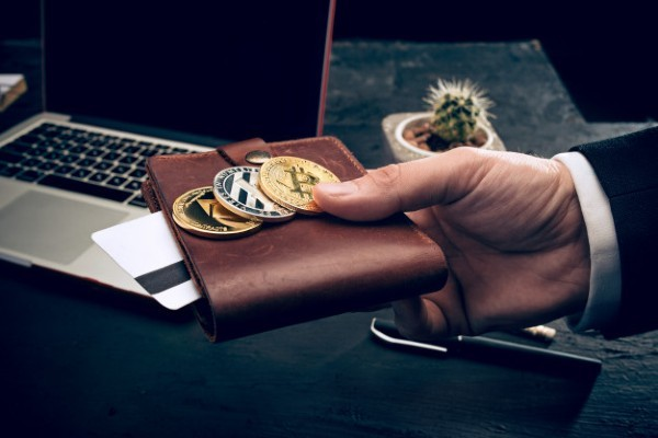 bitcoin brokers review bitcoin compass recenzii