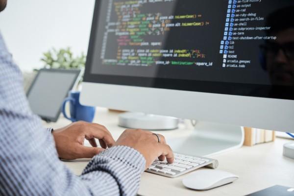 Burse pentru cursuri in IT pentru incepatori. Google pune la bataie peste 1.200 de burse. Cum poti obtine una