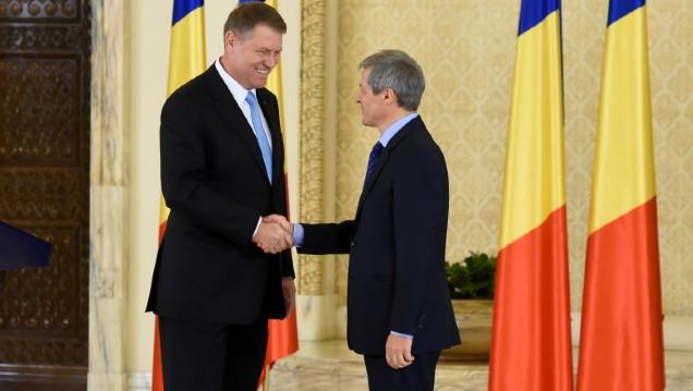 Klaus Iohannis l-a desemnat premier pe Dacian Ciolos. Liderul Aliantei are doar o treime din sustinerea necesara
