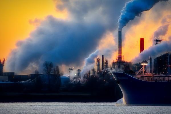 In fiecare an dezgropam din pamant un munte de carbon, pe care il ardem si il eliberam in atmosfera sub forma de dioxid de carbon