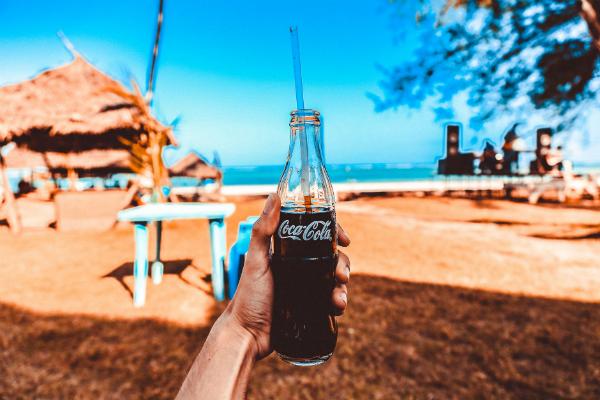 Coca-Cola a lansat prima bautura alcoolica din istoria companiei