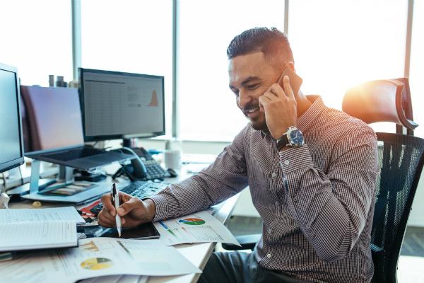 Codul bunelor maniere in business: 10 greseli de evitat la telefon