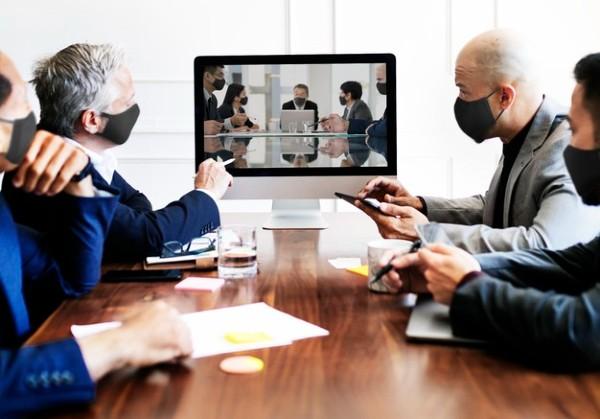 Majoritatea angajatilor isi vor negocia flexibilitatea programului cu demisia pe masa