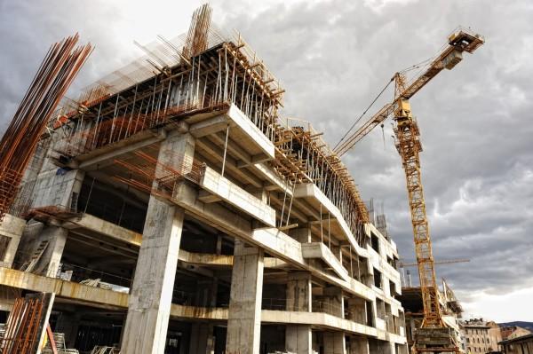 In Romania se construieste in veselie. Suntem liderii UE la acest sector, in plina pandemie