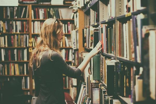Despre teatre, muzee, biblioteci si alte cateva lucruri cu desavarsire nefolositoare