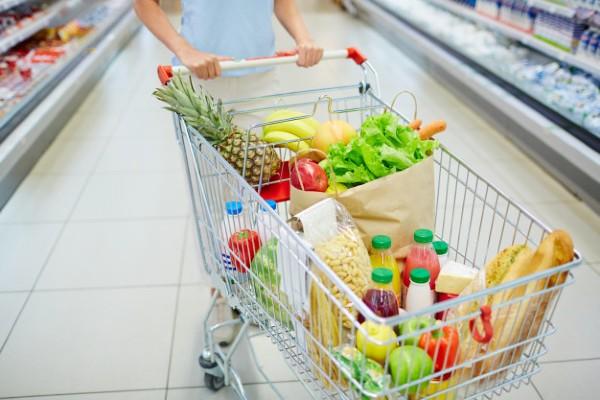 5 modalitati prin care puteti economisi bani, atunci cand mergeti la supermarket