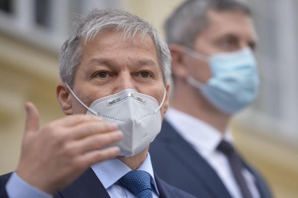 Dacian Ciolos este noul presedinte USR-PLUS: a castigat la mustata in fata lui Barna