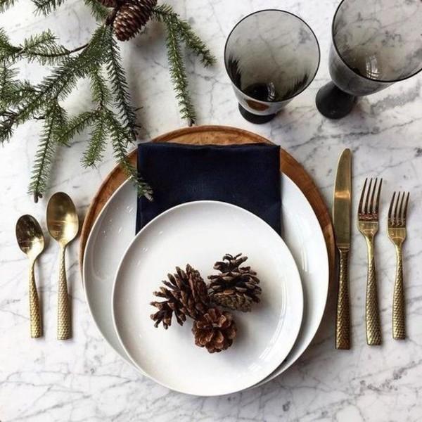 FOTO: Idei practice pentru decorarea mesei de Craciun