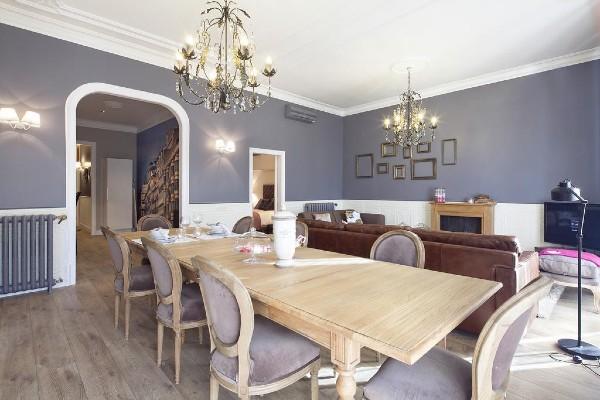 Casa modern decorata cu bun-gust si bani putini. Cum e posibil?