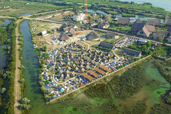 Grupul Eurolines cumpara campingul care gazduieste Festivalul Anonimul