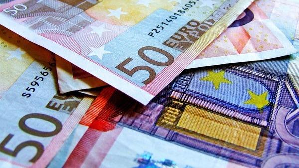 BCE le da bancilor liber la plata de dividende si rascumparare de actiuni