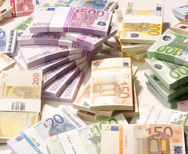 Romania a incheiat anul 2015 cu rezerve valutare in crestere: 32,238 de miliarde de euro