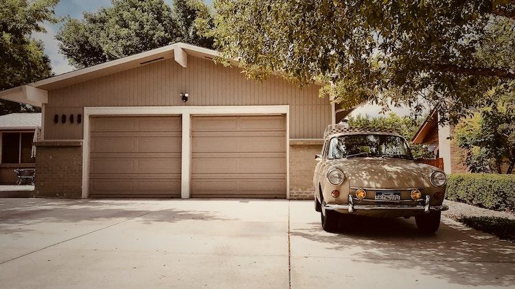 Ce trebuie sa stii despre construirea unui garaj