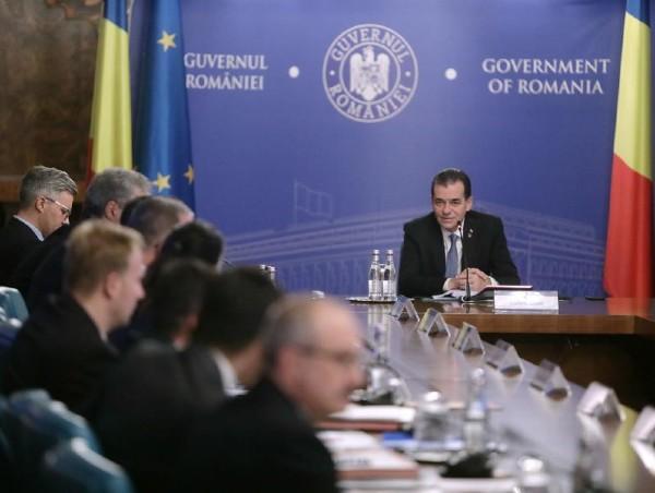 Guvernul are pe masa proiectul de lege care reglementeaza carantinarea si internarea obligatorie, conform recomandarilor CCR