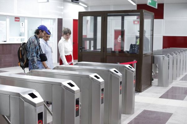 Metrorex permite plata calatoriilor cu orice dispozitiv contactless