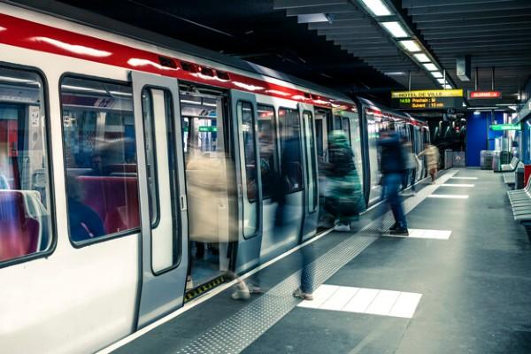 Pretul unei calatorii cu metroul ar trebui sa fie 50 de lei, spune Ion Radoi, in timp ce majoritatea salariilor din Metrorex sar de 5.000 de lei net