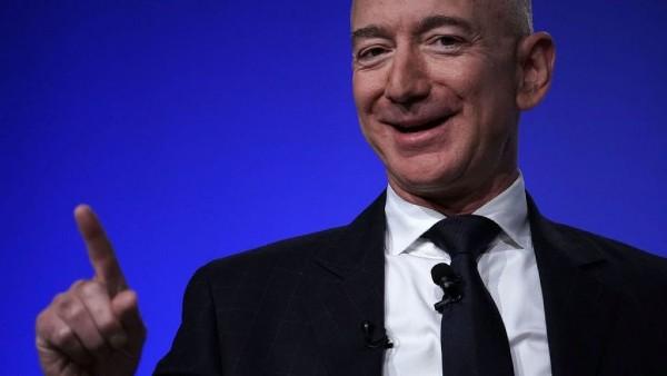 CEO-ul Amazon, in mijlocul unui scandal privind cresterea impozitului pe profit. Biden il acuza pe Jeff Bezos ca evita sa isi plateasca impozitul federal