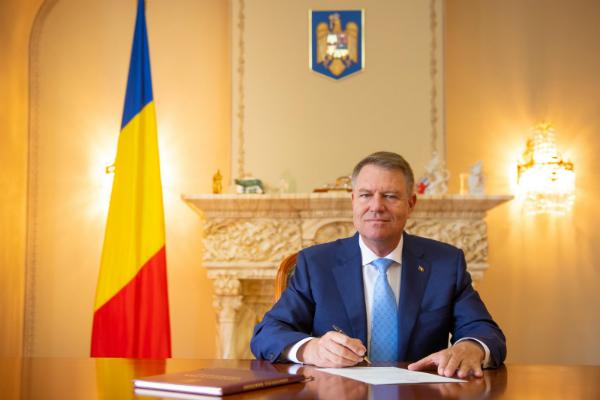Klaus Iohannis, decorat cu premiul Charlemagne. Juriul: A condus Romania catre o politica pro-europeana de stat de drept