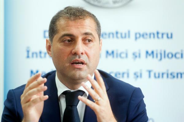 Patronii din Romania SUSTIN cresterea salariului minim. Cu o conditie