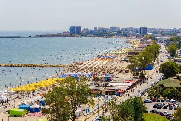 Pandemia i-a determinat pe romani sa cheltuiasca banii de vacante acasa. 165 de milioane de lei s-au bronzat pe litoralul romanesc