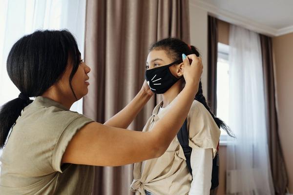 Atentie! Mastile fashion nu asigura protectie impotriva SARS-CoV-2!