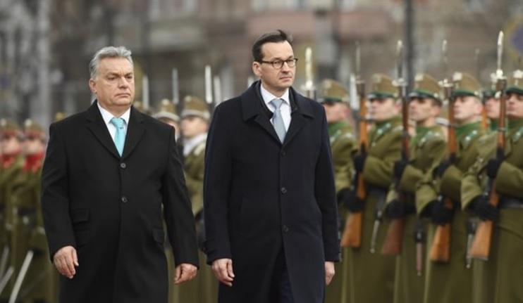 Polonia tine partea Ungariei fata de sanctiunile UE