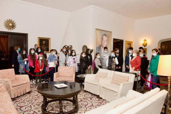 Palatul Elisabeta poate fi vizitat de Rusalii. Expozitia Regala este deschisa in mod exceptional