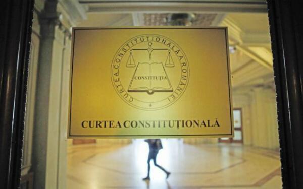 Zi decisiva pentru Dragnea. CCR judeca sesizarea Vioricai Dancila privind conflictul dintre Parlament si ICCJ
