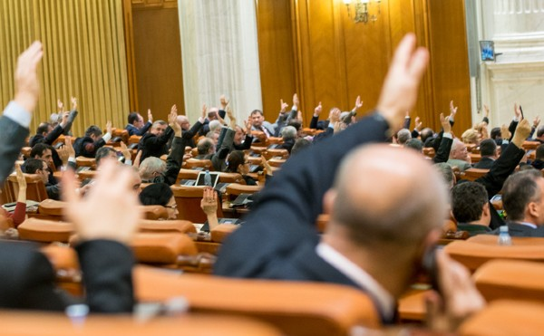E oficial: Opozitia se coalizeaza impotriva prelungirii starii de alerta