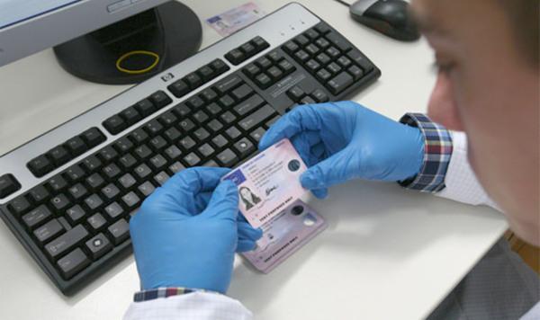 Posta Romana a recastigat contractul de livrare a permiselor auto la domiciliile solicitantilor