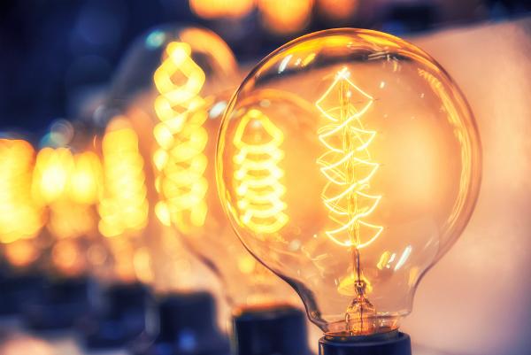 Romania are cele mai necompetitive preturi la energie electrica din toata regiunea