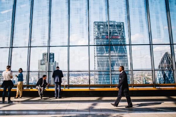 Cum vad managerii romani evolutia companiilor in 2021. Ce salarii au de gand sa ofere, ce asteptari si ce temeri au