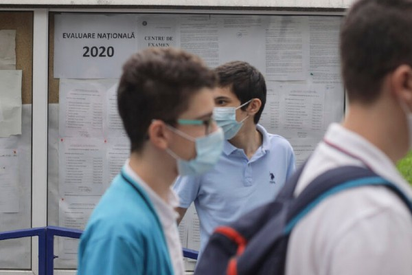 Rezultate Evaluare Nationala 2020: Peste 76% dintre elevi au medii mai mari de 5