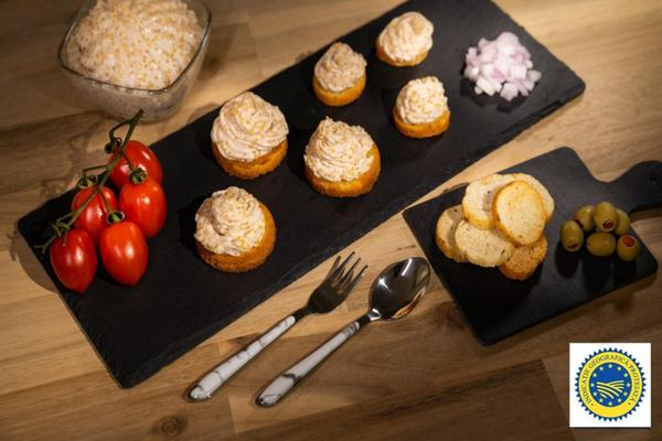 Opt produse traditionale romanesti recunoscute si protejate de Uniunea Europeana