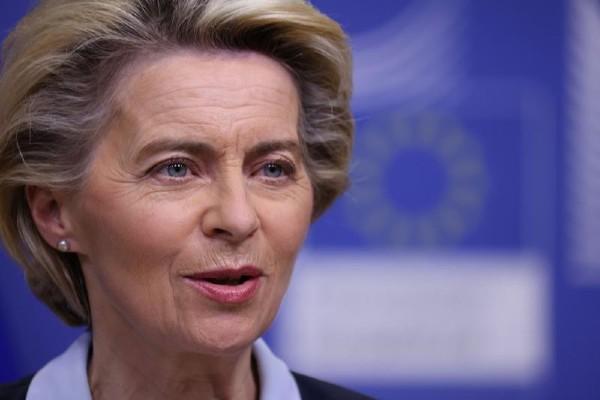 Sefa Comisiei Europene, mesaj inedit pe Twitter, in limba romana: Am primit PNRR-ul. Contine reforme si investitii