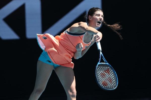 Sorana Cirstea merge mai departe la Australian Open. Romanca s-a calificat in turul al treilea