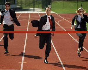 Corporatistii conduc in topul practicantilor de sport si spun ca ii ajuta sa infrunte stresul zilnic