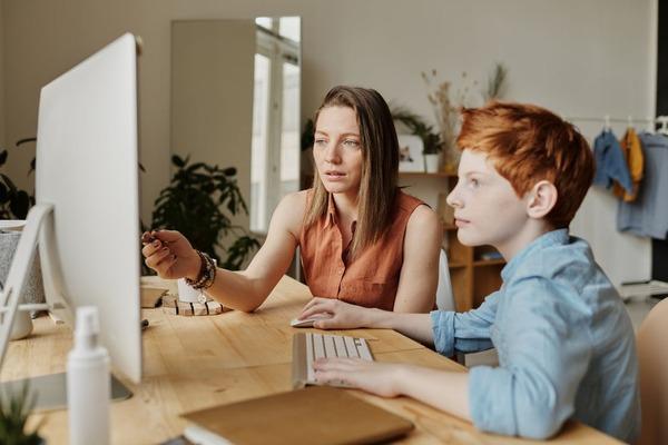 Zile libere pentru parintii ai caror copii invata in scenariile 2 si 3, numai dupa epuizarea optiunilor privind telemunca