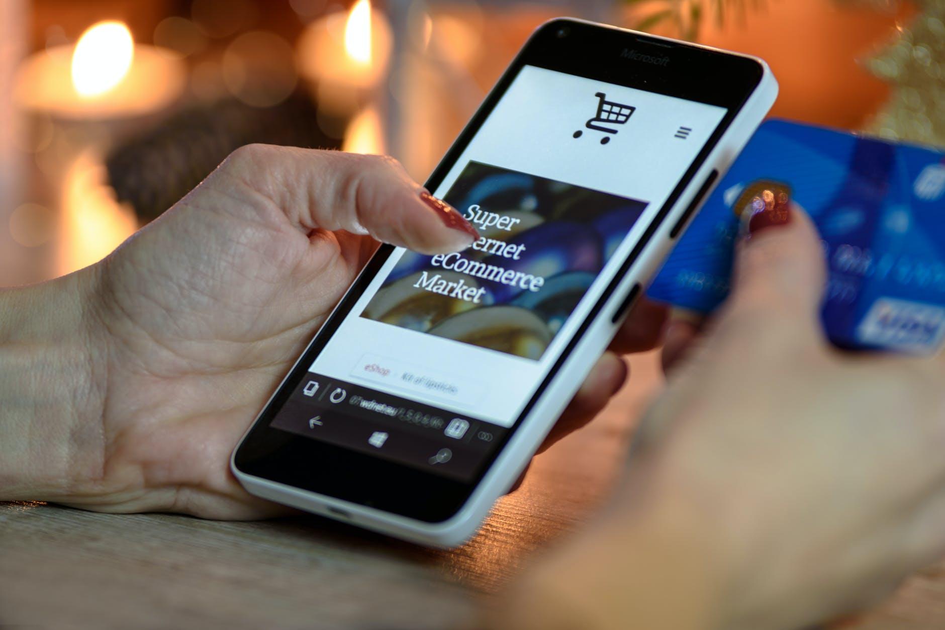 Tendinte in comert - Magazinele online sunt viitorul