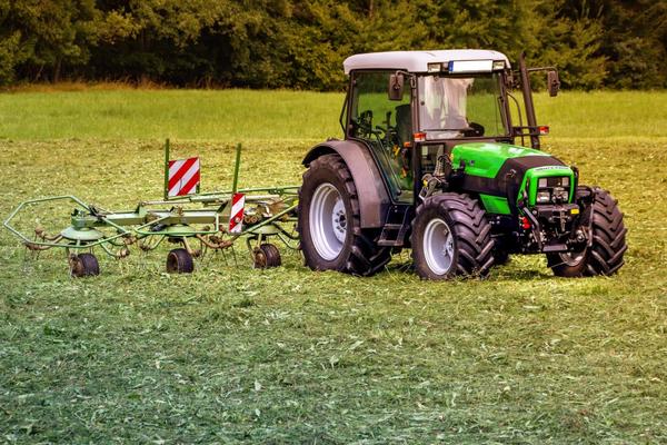 Amenzi de 126 milioane de lei date de Consiliul Concurentei unor companii care vand masini, utilaje si echipamente agricole