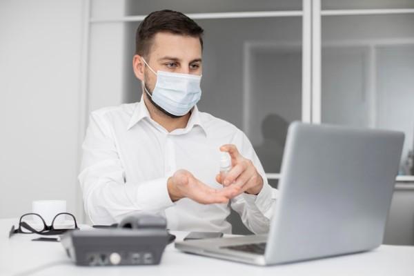 Mediul privat isi vaccineaza angajatii. HORECA, destul de timid