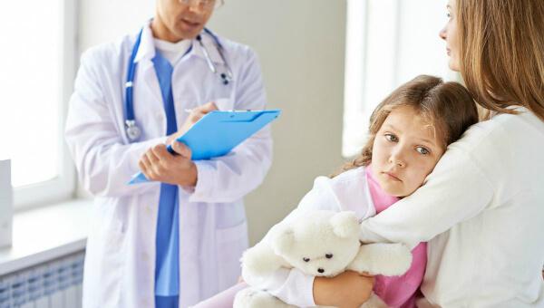 Amenzi de pana la 2.500 de euro pentru parintii care nu isi vaccineaza copiii impotriva rujeolei